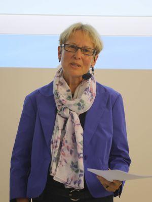 Christiane Hetterich stellte in den Mittelpunkt ihres Vortrags Würzburger Missionare und engagierte Christen im weltweiten Dienst am Reich Gottes.