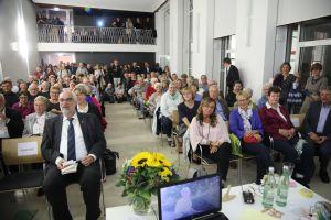 Rund 150 Zuhörer verfolgten den Vortrag Hetterichs und auch die Videobotschaften aus Brasilien.