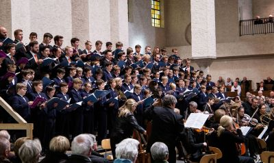 Die Regensburger Domspatzen und Concerto Köln gestalteten das diesjährige Abteikonzert in Münsterschwarzach am Tag der Deutschen Einheit.