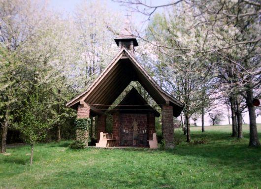 In seinem Heimatort Schimborn im Landkreis Aschaffenburg stiftete Weihbischof Helmut Bauer eine Kapelle.