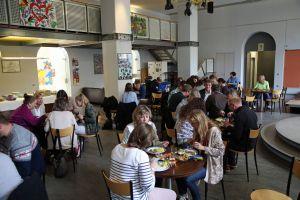Nachhaltiger Fischkonsum war beim diesjährigen Eat-In im Kilianeum-Haus der Jugend Thema.
