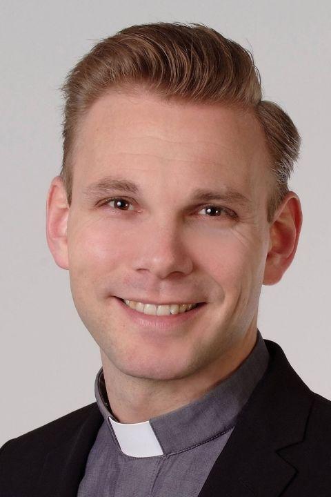 Pfarrvikar Christian Nowak.