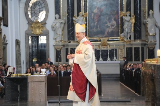 """Diakon kann nur sein, wer die Bereitschaft zum Einsatz für andere mitbringt""""; betonte Bischof Dr. Franz  Jung in seiner Predigt."""