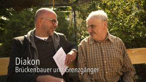 """Eine Szene mit Diakon Michael Völker aus dem Dokumentarfilm """"Diakon - Brückenbauer und Grenzgänger""""."""
