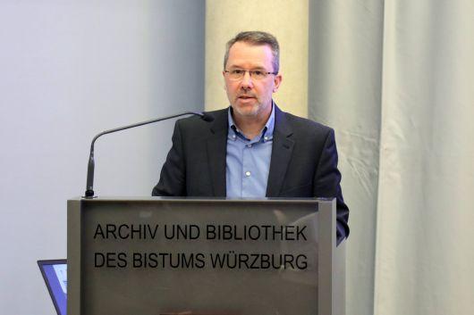 Schriftführer Professor Dr. Johannes Merz trug den Kassenbericht vor.