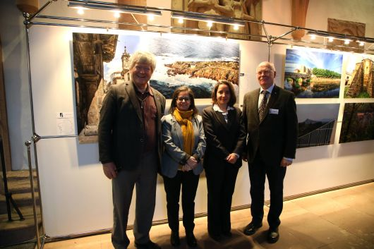 Eröffnung der Fotoausstellung über Galizien mit (von links): Vizepräsident Dietrich Preiser, Sandra Mayán, Botschaftsrätin Ana Rodríguez und Präsident Joachim Rühl.