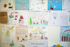 In der Weihnachtspostfiliale in Himmelstadt kommen jährlich rund 80.000 Briefe aus aller Welt an.