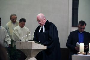 Mit einem Pontifikalgottesdienst mit Bischof Dr. Franz Jung hat die Gemeinschaft Sant'Egidio am Montagabend, 3. Dezember, in der Würzburger Seminarkirche Sankt Michael ihr 50. Gründungsjubiläum gefeiert.