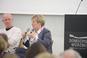 """Bundesministerin a. D. Christine Bergmann, Mitglied der """"Unabhängigen Kommission zur Aufarbeitung sexuellen Kindesmissbrauchs"""", lobte die Anstrengungen des Bistums Würzburg."""