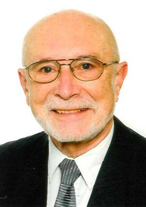 Pfarrer i. R. Friedbert Simon.