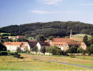 Vor 800 Jahren wurde das Kloster Schmerlenbach gegründet. Heute befindet sich darin das Tagungszentrum Schmerlenbach.
