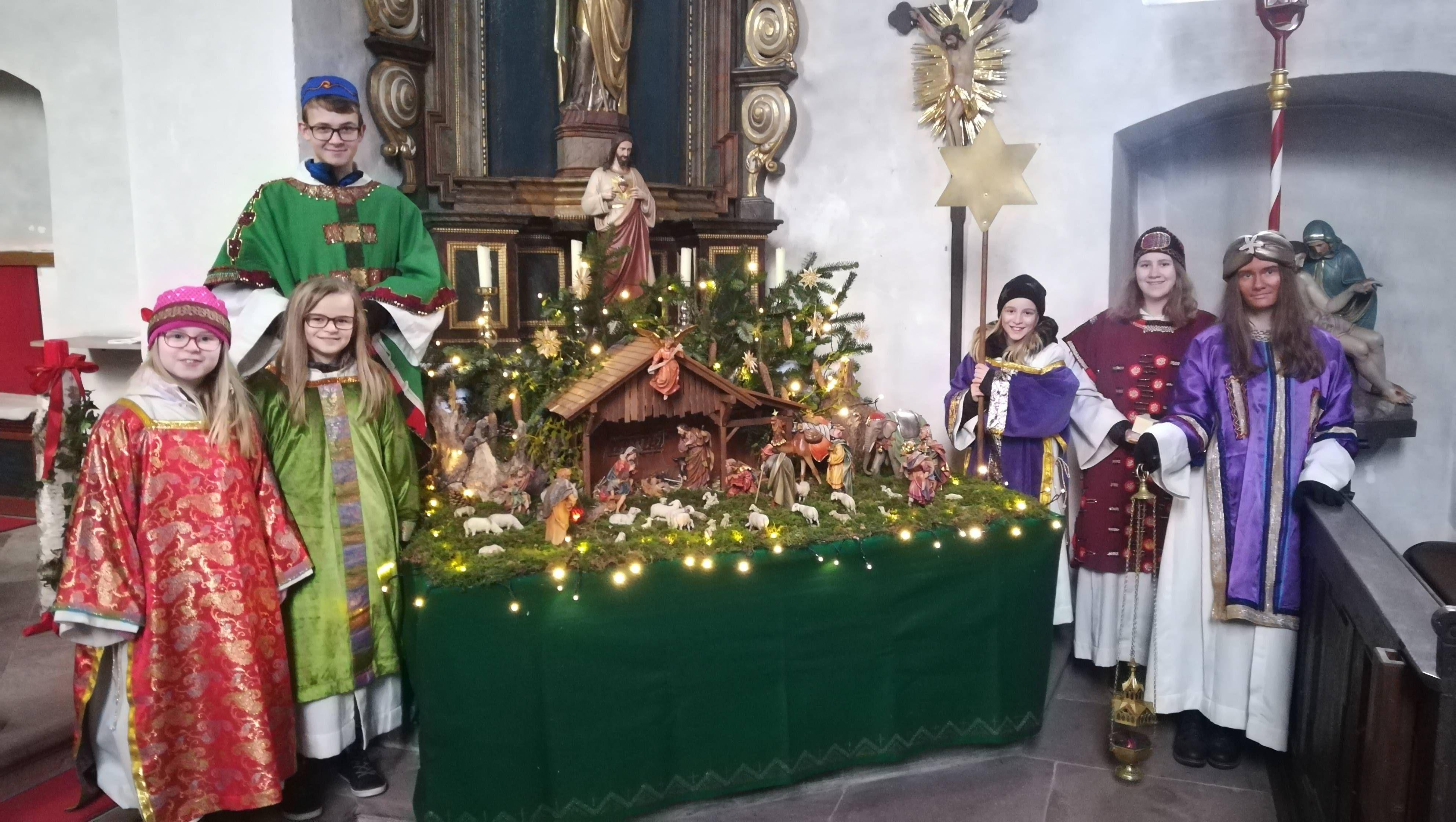 Die jungen Könige in Michelau an der Saale (Dekanat Karlstadt).
