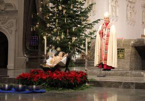 """""""Jeder von uns ist täglich aufgefordert, die Gesellschaft mitzugestalten –  in der politischen Auseinandersetzung, im Eintreten für Menschenrechte und im Kampf um die Anerkennung der Würde jedes Menschen"""", betonte Bischof Dr. Franz Jung in seiner Predigt."""