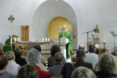 Jahrestagung und Feier zum 70-jährigen Bestehen der Berufsgruppe der Gemeindereferentinnen und -referenten der Diözese Würzburg im Exerzitienhaus Himmelspforten: Bischof Dr. Franz Jung rief die Berufsgruppe in seiner Predigt zur Teamarbeit auf.