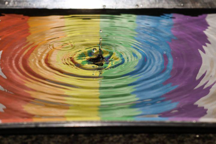 Aufnahme eines Wassertropfens in Zeitlupe