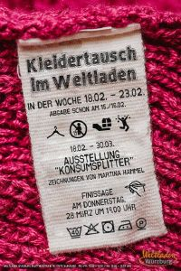 """Eine Kleidertausch-Aktion veranstaltet der Weltladen Würzburg. Die Aktion ist Auftakt der Ausstellung """"Konsumsplitter"""" und macht auf nachhaltiges Konsumverhalten aufmerksam."""