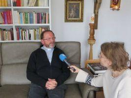 Pfarrer Josef Treutlein im Interview mit dem Sender Radio Horeb.