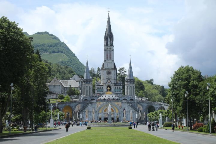 Das Pilgerbüro der Diözese Würzburg veranstaltet eine Pilgerreise in den französischen Wallfahrtsort Lourdes.