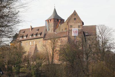 Die Burg Rothenfels (Landkreis Main-Spessart) ist seit 100 Jahren ein Ort der Jugend. Am Samstag, 23. Februar, wurde das mit einem Festakt im Rittersaal gefeiert.