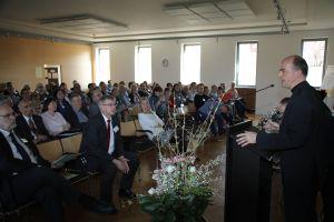Mit großem Interesse hörten die Mitglieder des Diözesanrats die Ausführungen von Bischof Dr. Franz Jung (rechts).