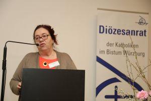 Lucia Stamm berichtete über die Reise einer Diözesanrats-Delegation ins tansanische Partnerbistum Mbinga.