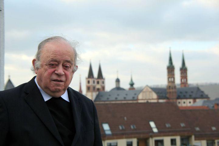 91 Jahre alt  wird am Samstag, 6. April, Bischof em. Dr. Paul-Werner Scheele.