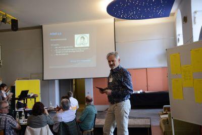 KAB-Mitglied und Betriebsrat Michael J. Bauch berichtete von den Erfahrungen mit Digitalisierung aus dem Klinikum Würzburg-Mitte.