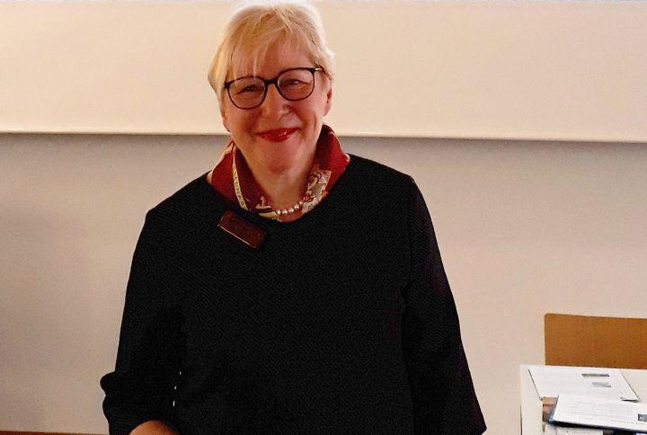 Die Historikerin Dr. Anne-Marie Greving blickte im Burkardushaus auf die deutsch-italienische Kriegs- und Nachkriegsgeschichte.