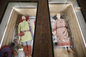 Blickfang des Museums in Karlburg war die Rekonstruktion zweier Reihengräber aus Kleinlangheim, etwa aus der Zeit um 600.