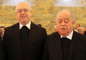 Bischof em. Dr. Paul-Werner Scheele (rechts),  früherer Weihbischof in Paderborn, im Jahr 2012 bei einem Treffen mit dem Paderborner Erzbischof Hans-Josef Becker.