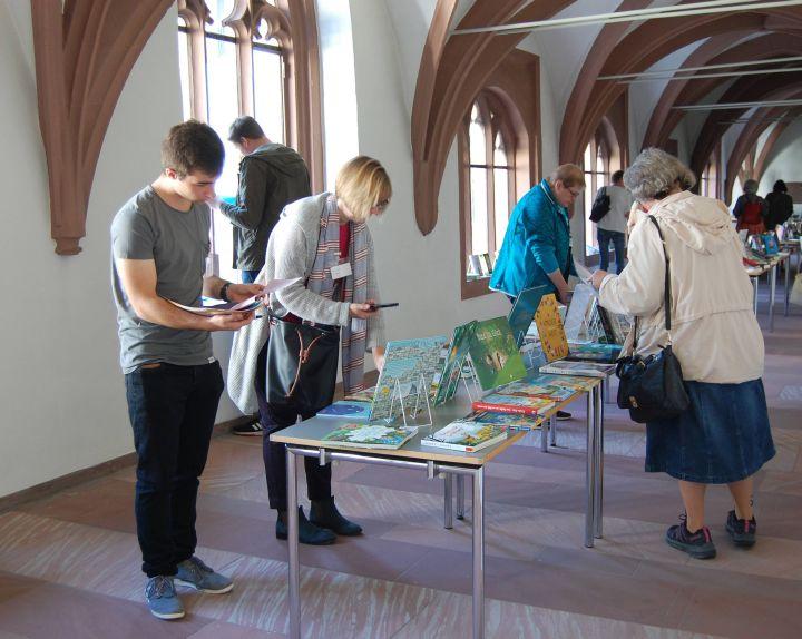 Rund 150 Ehrenamtliche aus den 206 Katholischen Öffentlichen Büchereien im Bistum Würzburg nahmen am Bücherei-Wochenende im Würzbuger Exerzitienhaus  Himmelspforten teil.