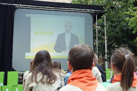 In einer Videobotschaft wandte sich Bischof Dr. Franz Jung, diözesaner Schirmherr der Aktion, an die Kinder und Jugendlichen.