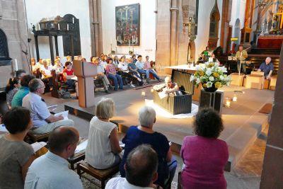 """Seit 20 Jahren lädt das """"Time Out""""-Team zum ökumenischen Gottesdienst in die Stiftsbasilika ein."""