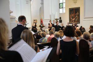 """Am Samstagabend, 6. Juli, gab es zum Auftakt der Kiliani-Wallfahrtswoche ein Konzert unter dem Motto """"Dass Liebe unser Herz durchglüht..."""" im Neumünster."""