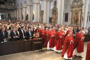 Mit rund 1200 Frauen und Männern feierte Weihbischof Ulrich Boom im KIliansdom  beim Wallfahrtstag der Räte und Politiker einen Gottesdienst.