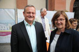 Landtagsabgeordneter Manfred Ländner und Bezirksrätin Rosa Behon.