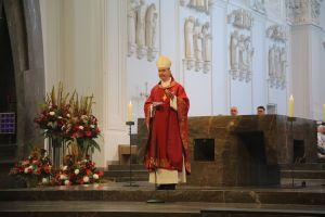 """""""Was macht Liturgie ansprechend, macht den Gottesdienst auf Gott hin durchsichtig?"""", fragte Bischof Dr. Franz Jung in seiner Predigt."""