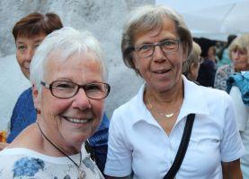 Kamen aus Rothenbuch nach Würzburg: Friederike Englert (links) und Isolde Hasenstab.