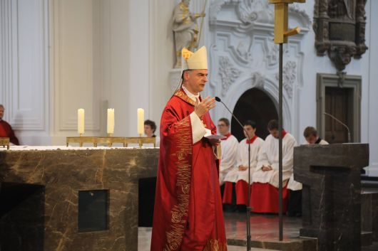 """Bischof Dr. Franz Jung: """"Aufbrechen kann nur, wer einen festen Halt im Himmel hat."""""""