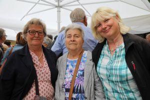 Nach dem Gottesdienst besuchen (von links) Edith Polz, Ingrid Peschel und Carmen Fischer aus Poppenhausen (Dekanat Schweinfurt-Nord) eine Eisdiele und anschließend die Kiliansgruft.