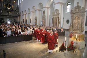 Über 600 Menschen feierten den Gottesdienst am Kiliani-Tag der Verantwortlichen in Schule und Erziehung mit.