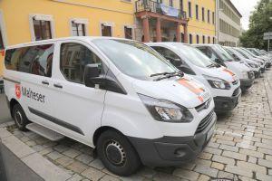 Insgesamt etwa 50 Fahrzeuge der Malteser und der Johanniter waren für die Fahrdienste im Einsatz.