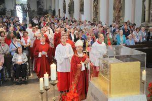 Rund 650 Gläubige feierten den Kiliani-Gottesdienst am Tag der Kranken und Behinderten im Kiliansdom mit.