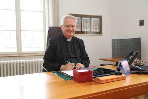 Domdekan Prälat Günter Putz beendet zum 31. August 2019 seine Tätigkeit als Leiter der Hauptabteilung Hochschule, Schule und Erziehung.