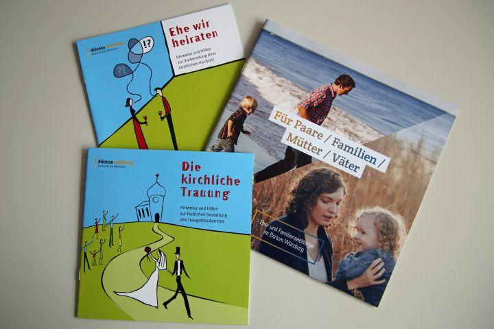Informationsmaterial zur kirchlichen Trauung hält das Referat Ehe- und Familienseelsorge bereit. Auch im Internet unter www.hochzeit.bistum-wuerzburg.de können sich junge Paare informieren.