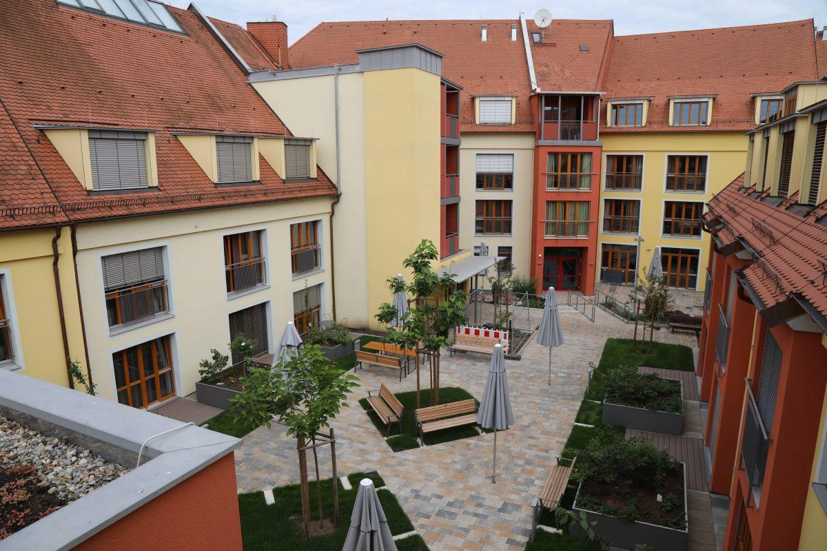 Blick in den Innenhof von Sankt Bruno.