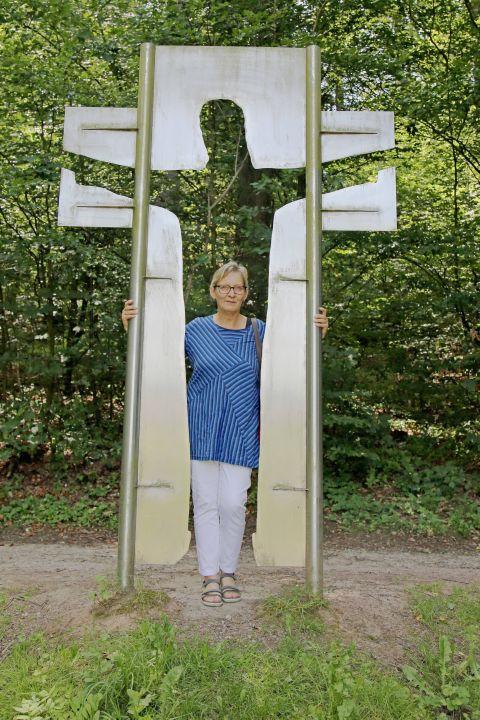 """Gemeindereferentin Ursula Summa führt regelmäßig Gruppen auf dem """"Weg-der-Besinnung""""."""