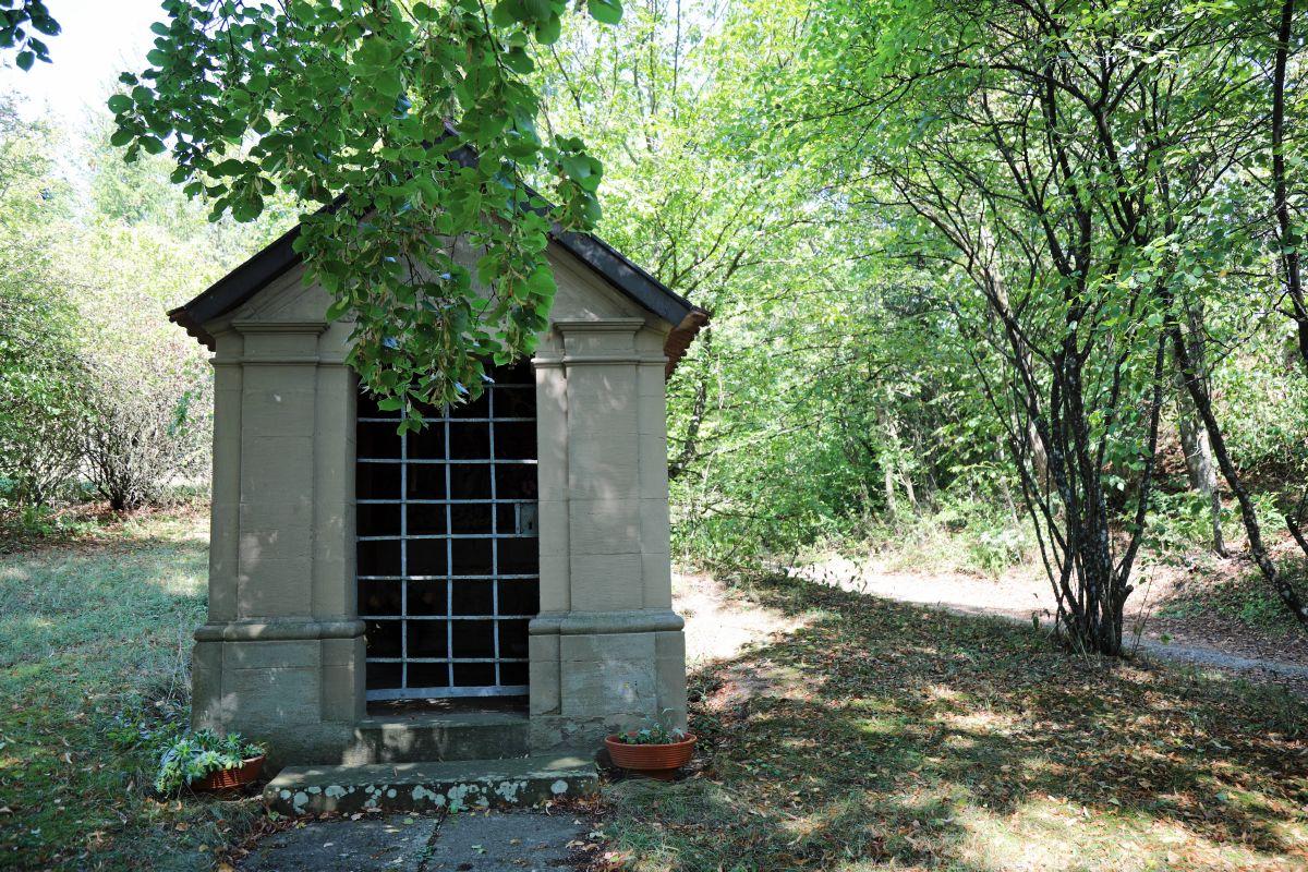 """Der Bildstockweg beginnt an der Kapelle am Steinberg. Man folgt zunächst der Ausschilderung für den Wanderweg """"Steinberg""""."""