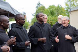 Verstanden sich bestens: die Benediktiner aus aller Welt und die Mönche aus Münsterschwarzach.