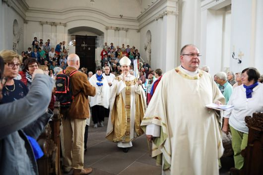 Mit rund 1400 Frauen und Männern feierte Bischof Dr. Franz Jung einen Pontifikalgottesdienst im Dom zu Fulda.